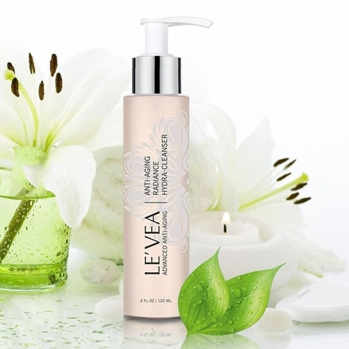 Anti-Aging Radiance Hydrating Cleanser 2